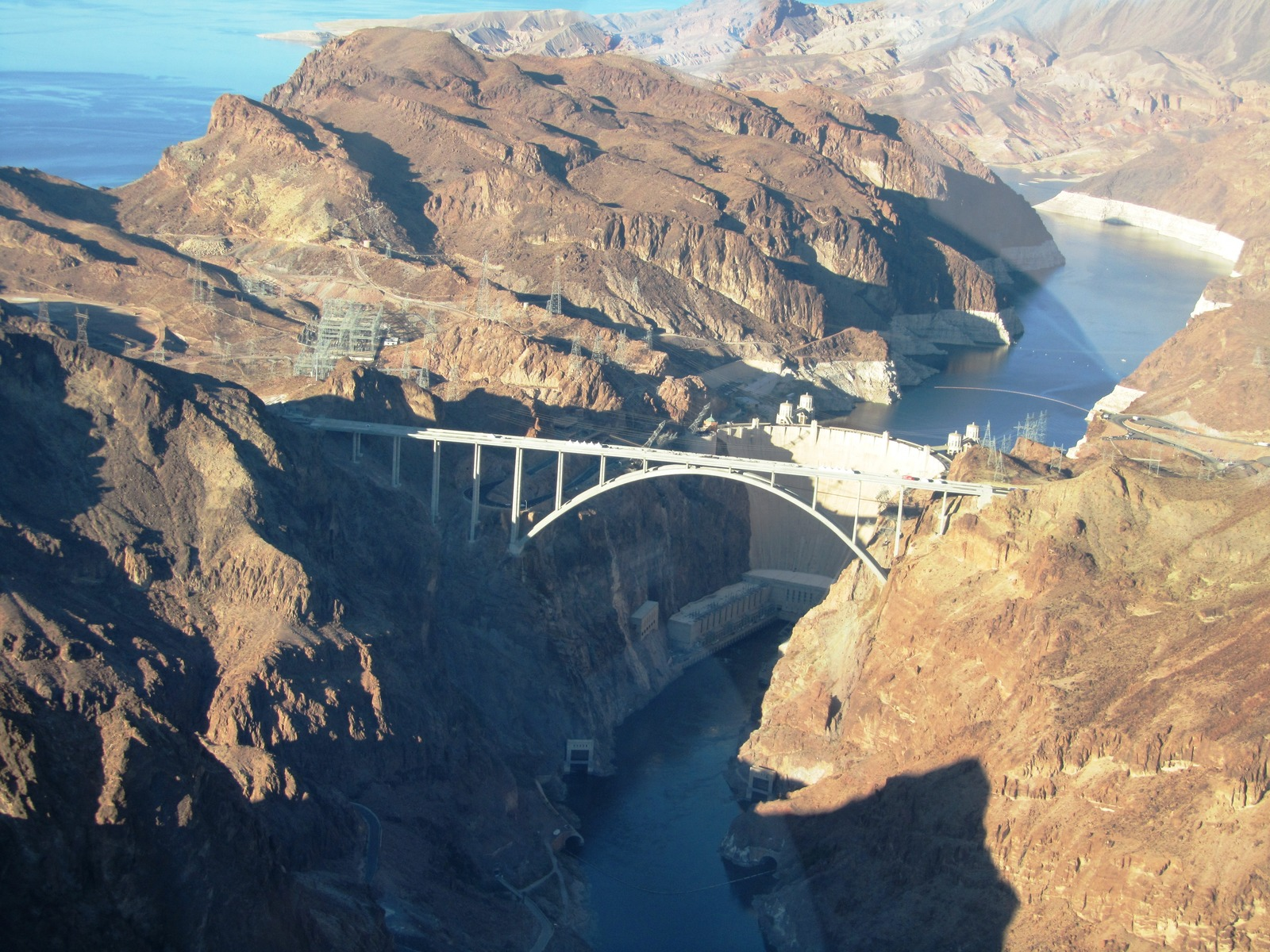 6862779-Hoover_Dam_and_Lake_Mead_Las_Vegas