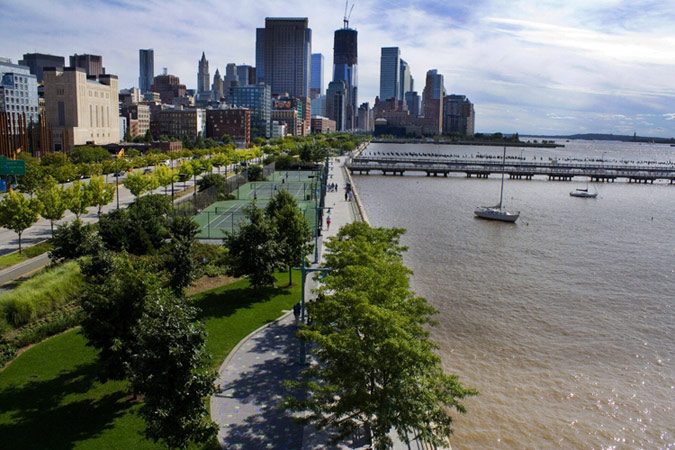 the background information in the famous hudson river and its pollution The dutch first settled along the hudson river in 1624 two years later they established the colony of new amsterdam on manhattan island in 1664, the english took control of the area and renamed.