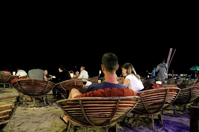 Buổi tối tại bãi biển ở Sihanoukville.