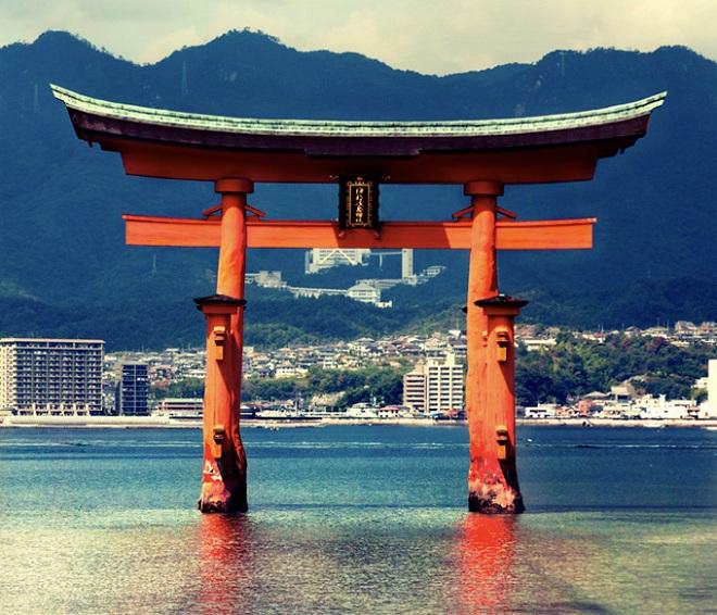 SUZUKI-Swift-LongArticles-2012-marzo-torii-05-1461815081_660x0