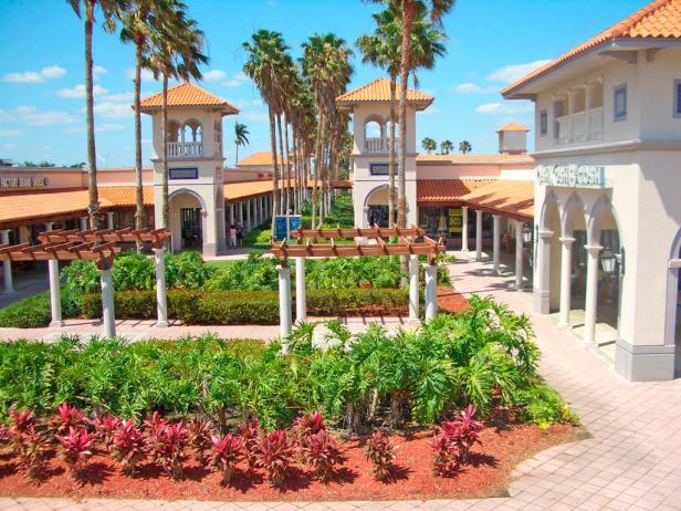 best-outlet-malls-florida-keys.rend.tccom.616.462 (1)