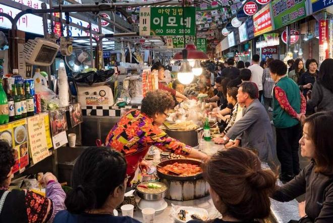 gwangjang-market-seoul-korea-1470904766_660x0