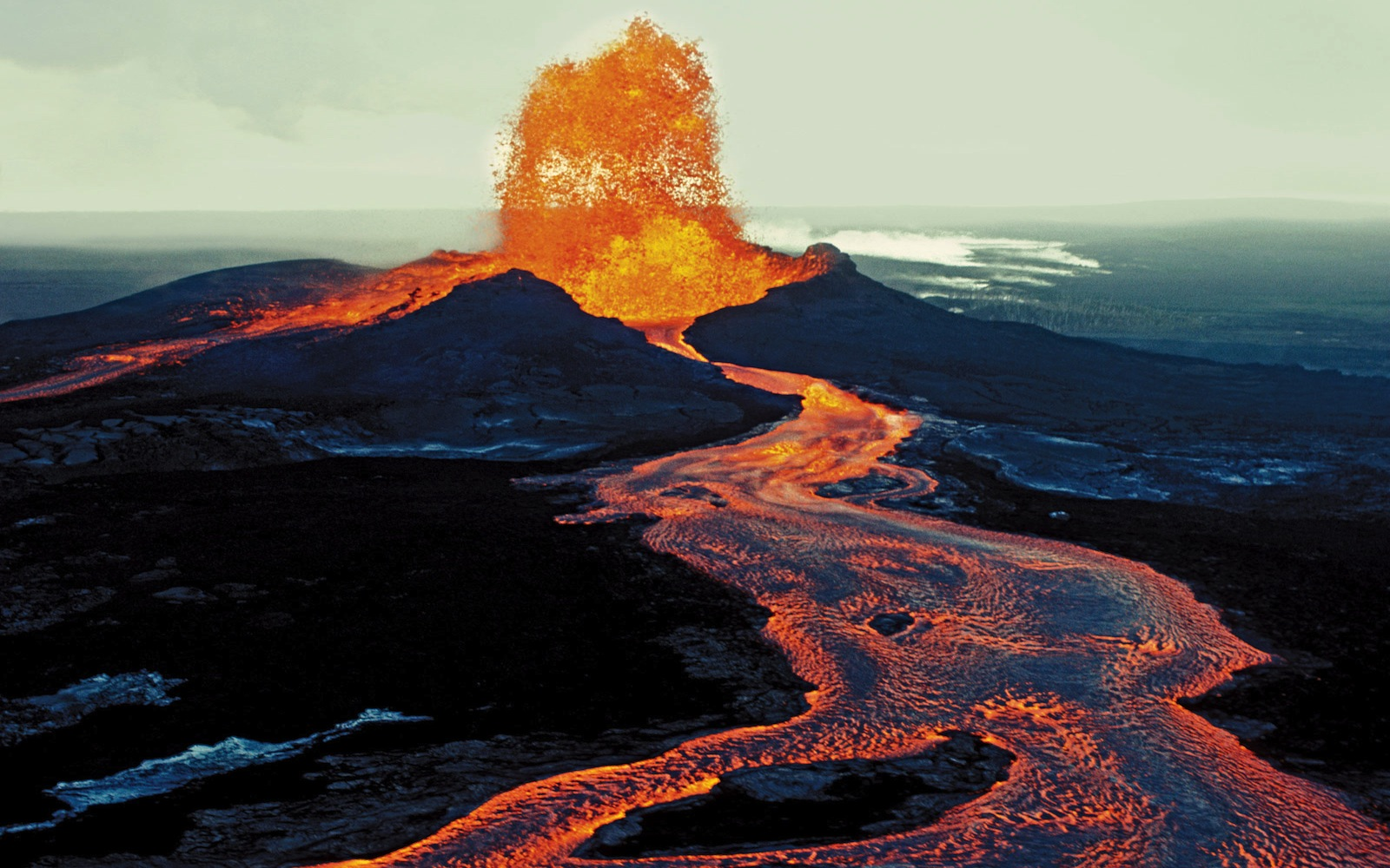 volcano-diagram-wallpaper-2